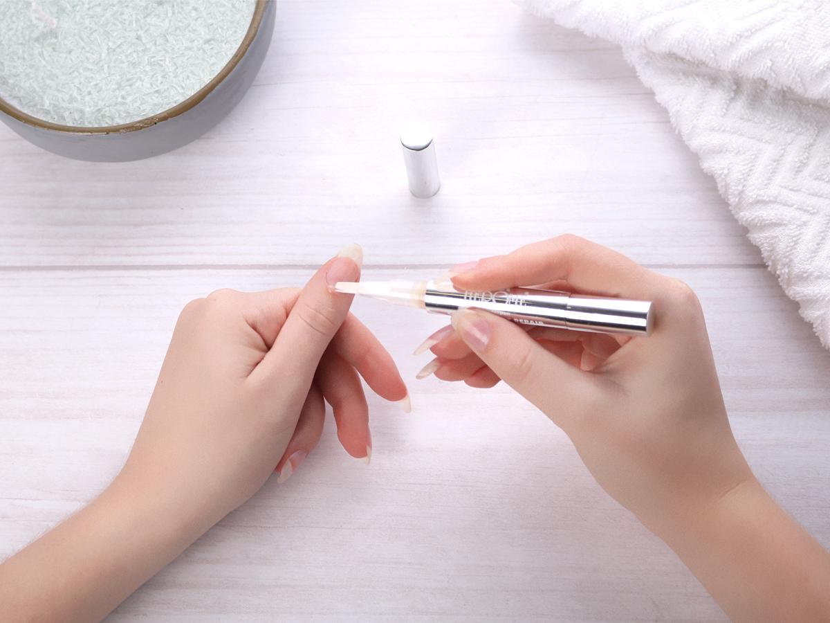 Nagelriemolie voor nagelriemen verzorgen