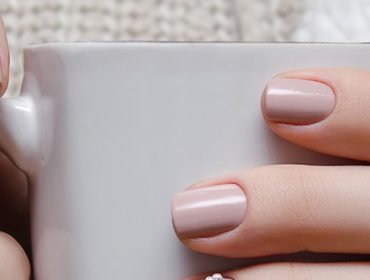 How do I repair yellow, discolored nails? Tips & Tricks!