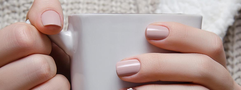 Make your nail polish last for longer! Herôme\'s Tips for preventing ...