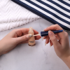 Natuurlijke nagellak kleur zalmtint die ook nagels versterkt
