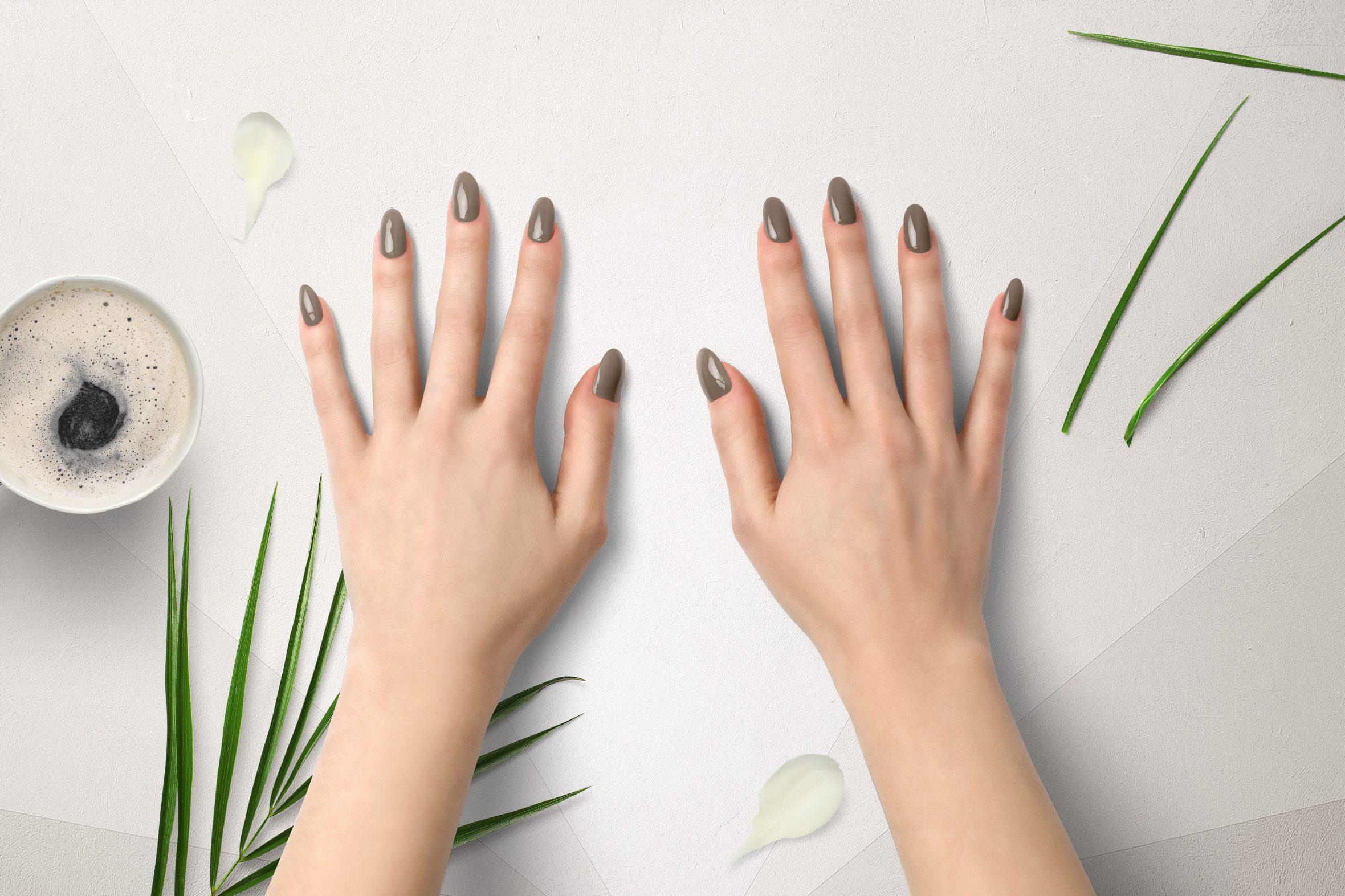 Nagellak kleur bruin kleurnummer 11 uit nagellak collectie