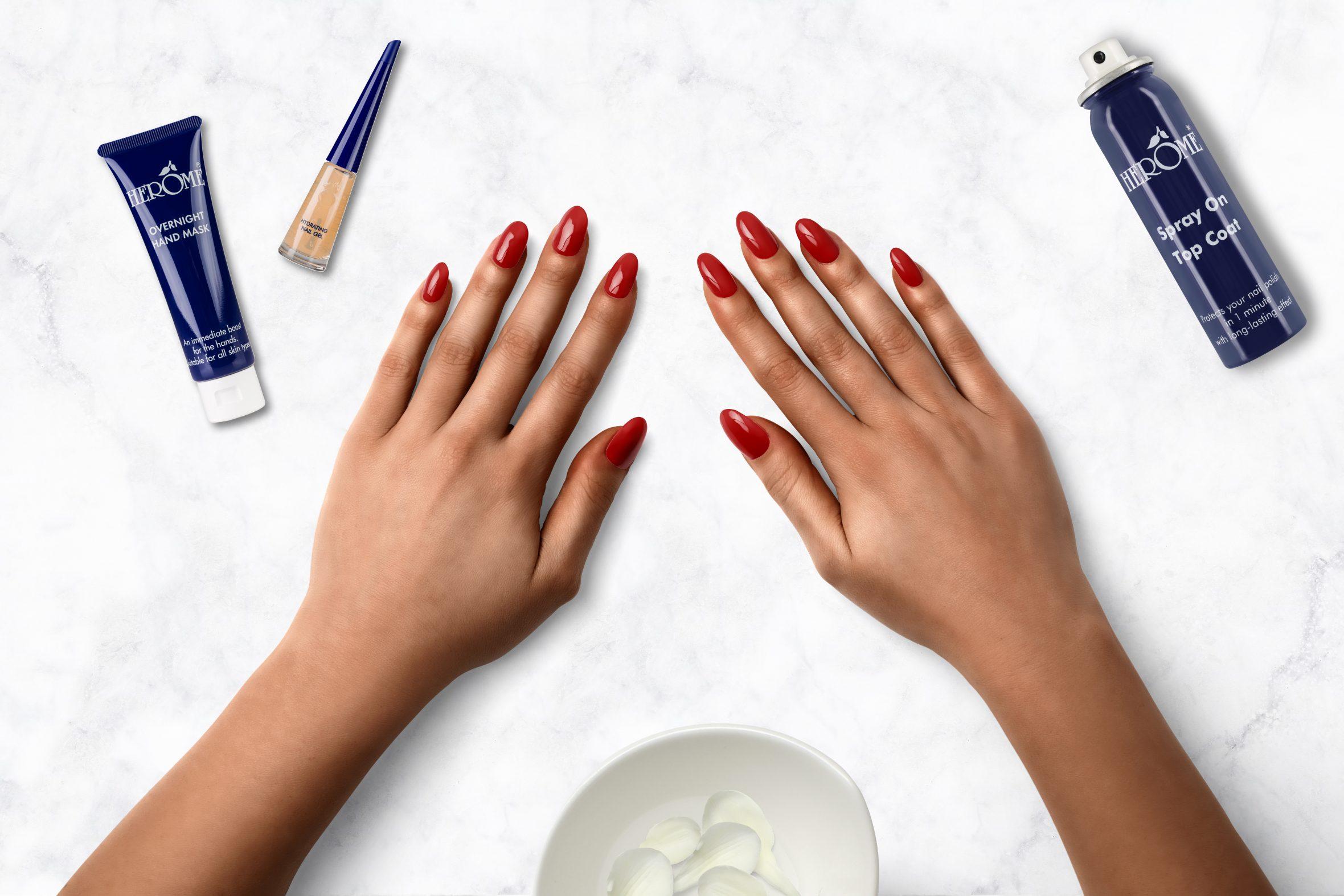Donker rode nagellak voor je manicure