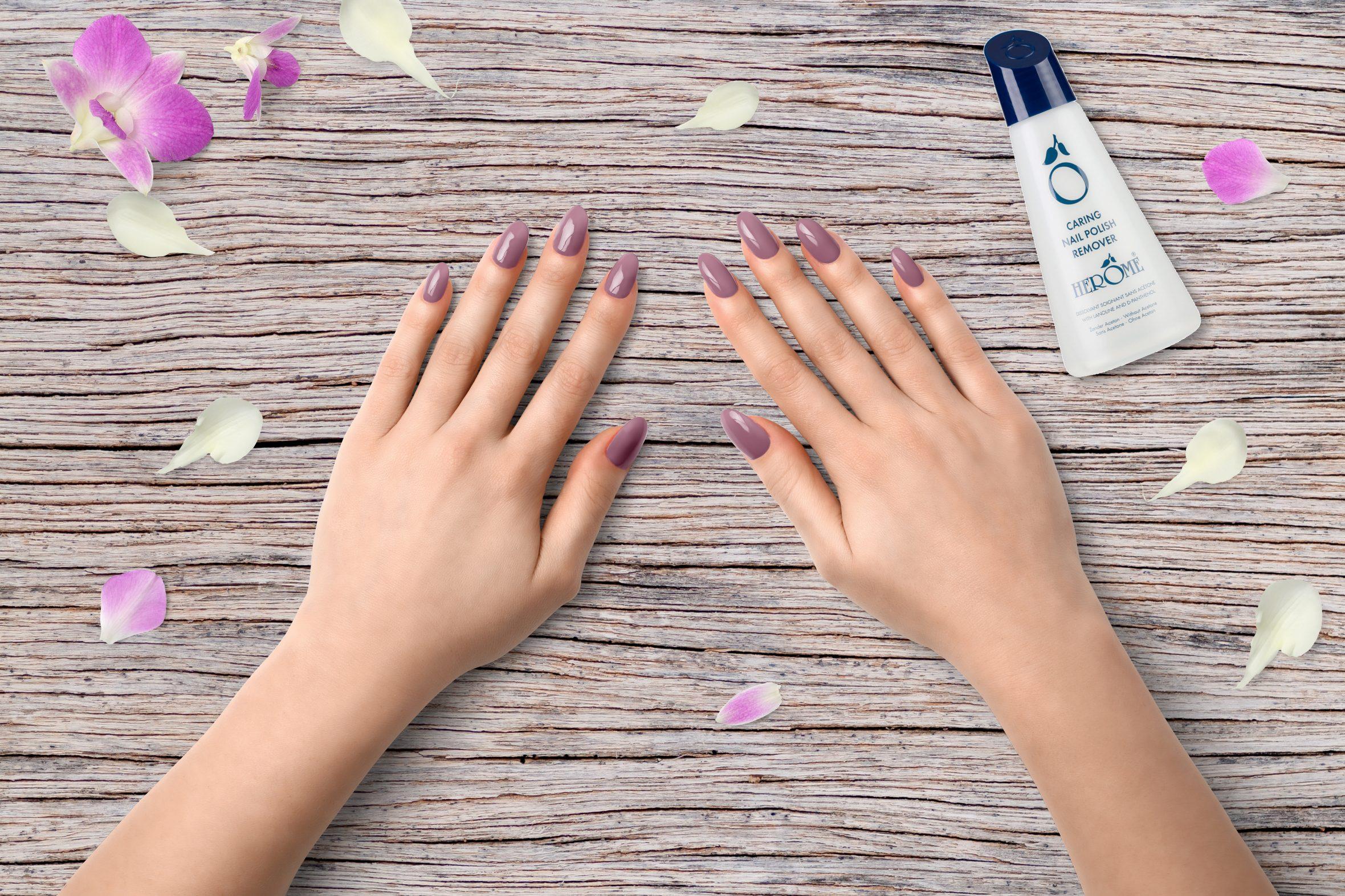 Oud roze nagellak van Herôme voor het nagels lakken