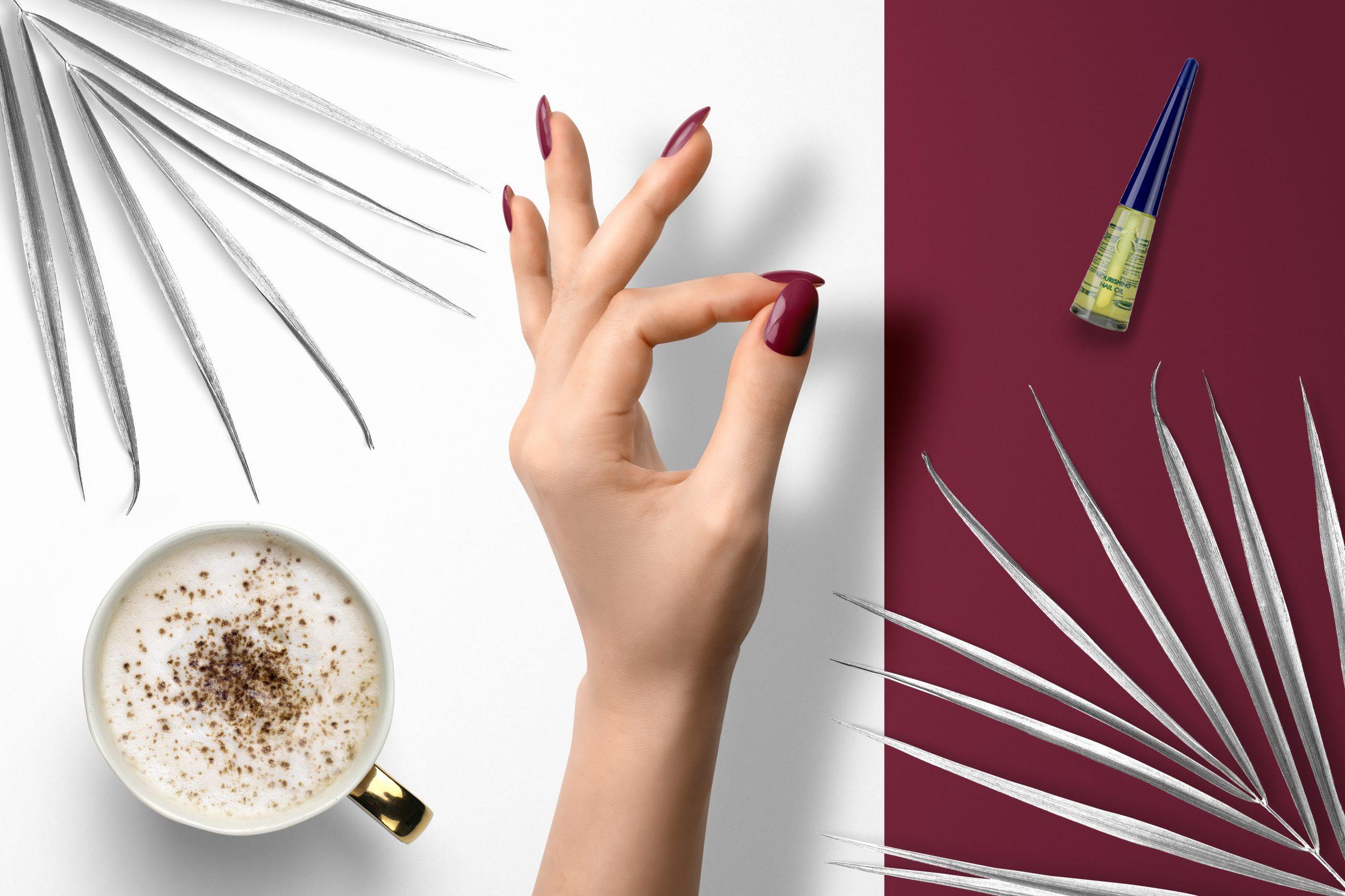 Donkerrode nagellak van Herôme voor een tijdloze manicure