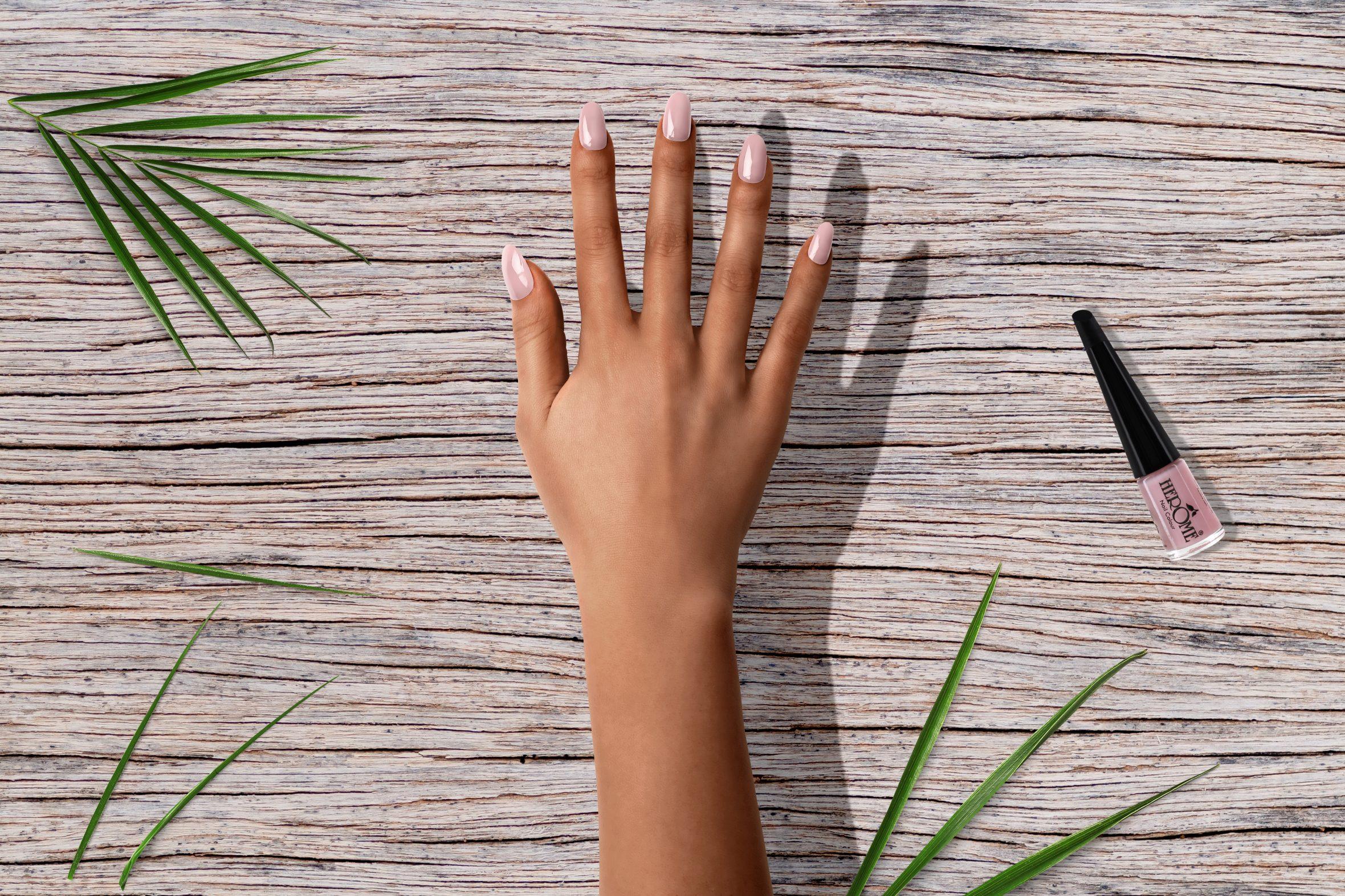 Lichtroze nagellak kleur uit Herôme nagellak collectie