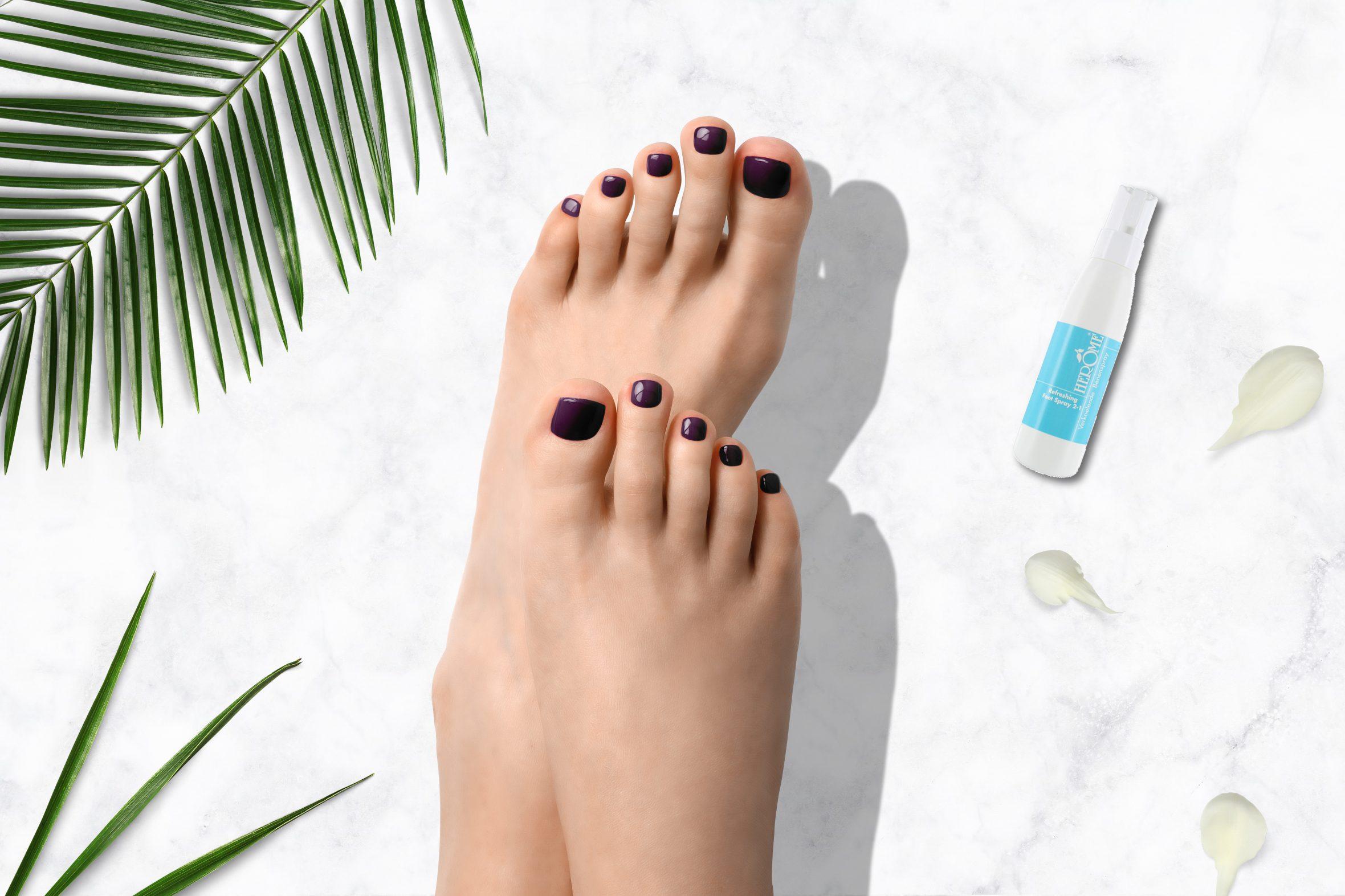Aubergine paarse nagellak voor je pedicure