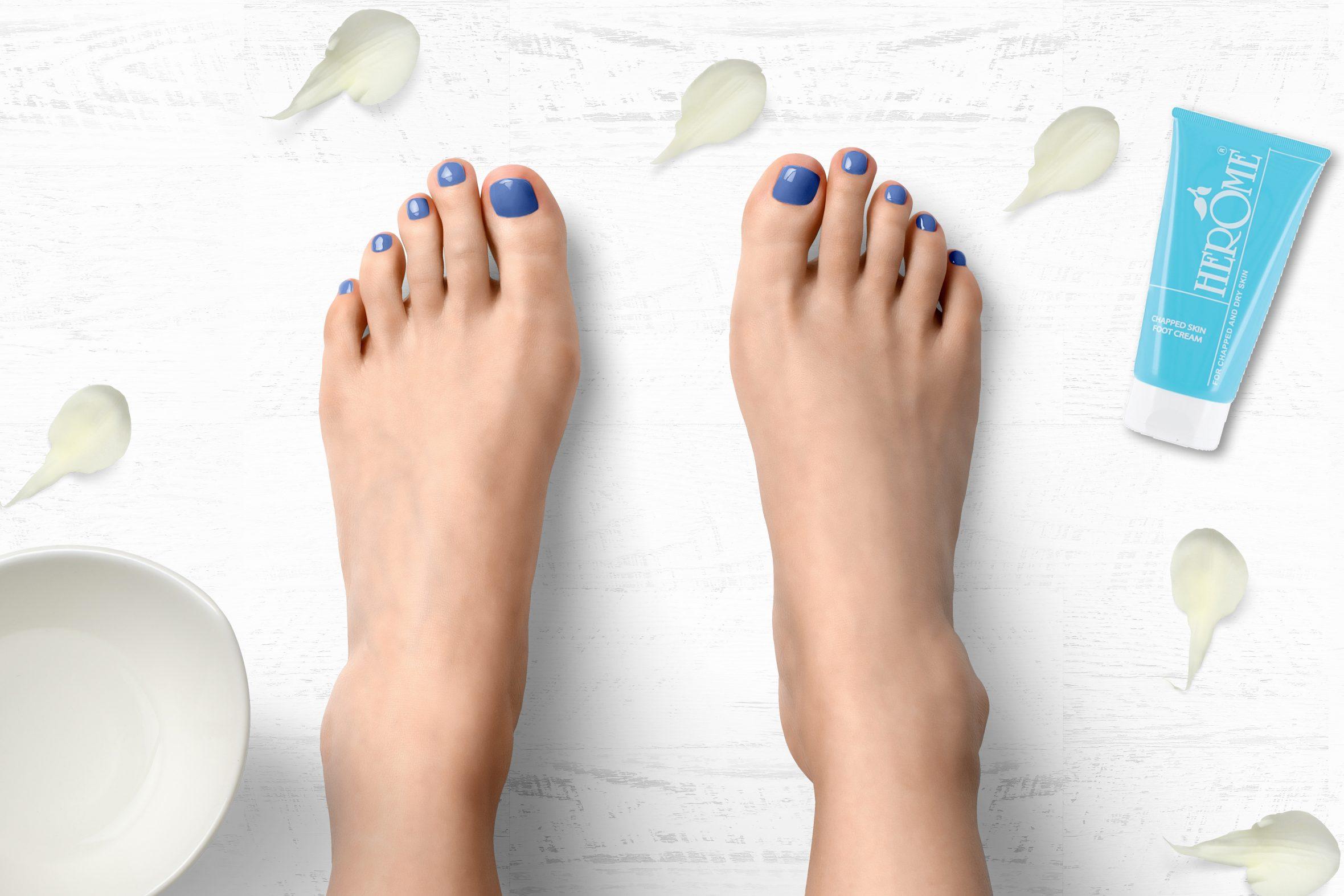 blauwe nagellak van Herôme voor je pedicure of manicure
