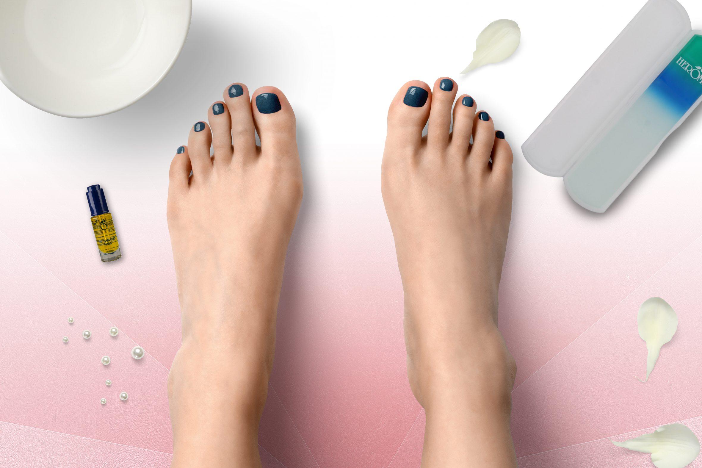blauwe nagellak van Herôme voor je manicure en pedicure