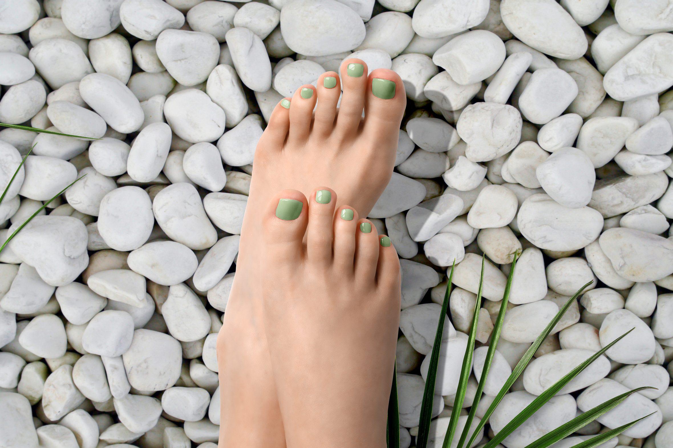 pistache groene nagellak kleurnummer 167 van de Herôme nagellak kleuren