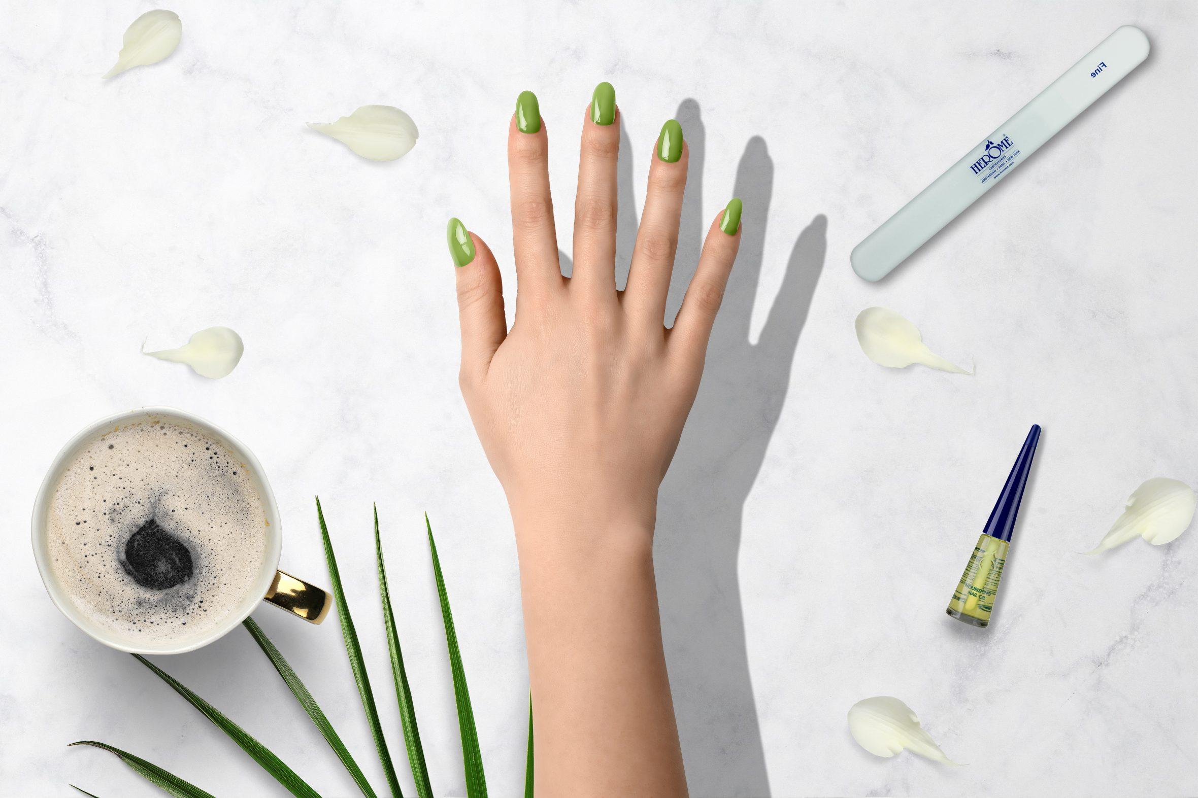 groene nagellak kleurnummer 171 uit de Herôme nagellak kleuren