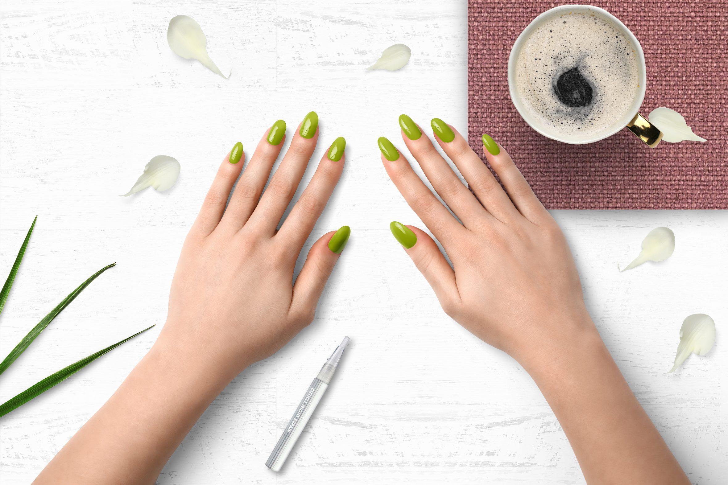 lime groene nagellak kleurnummer 172 van de Herôme nagellak kleuren