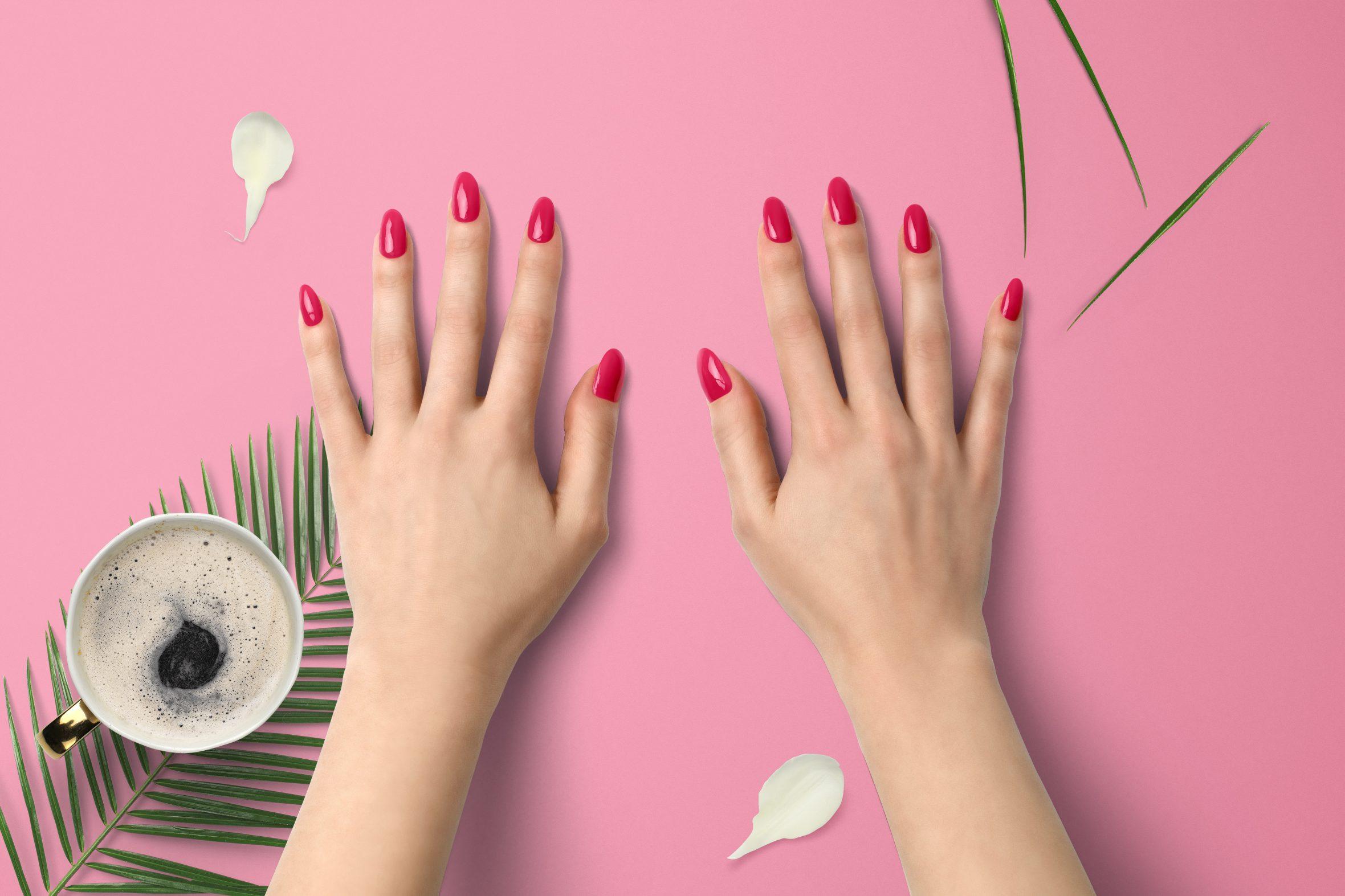Felroze nagellak kleur van Herôme