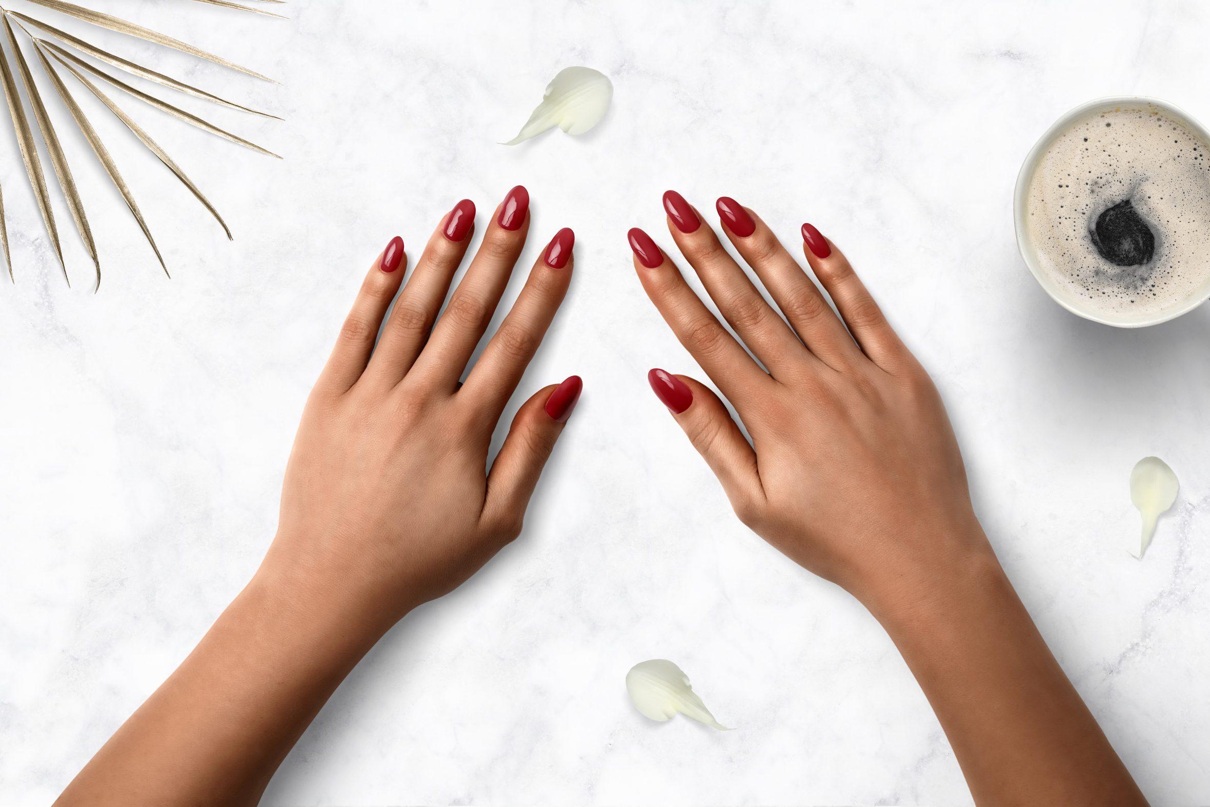 bordeaux rode nagellak op je nagels