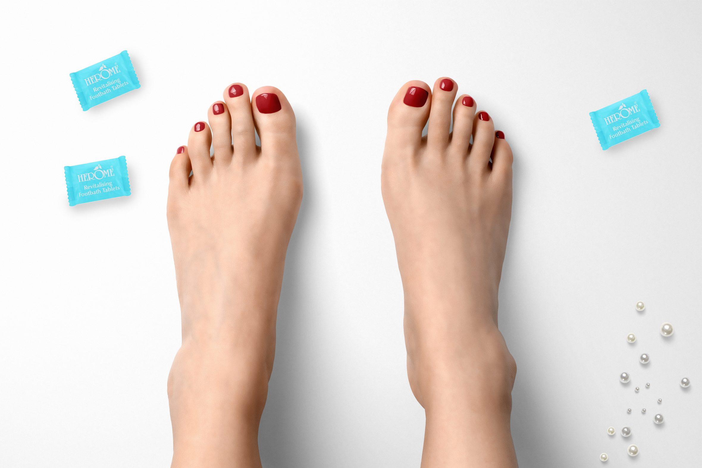 Rode nagellak van Herôme voor mooie pedicure