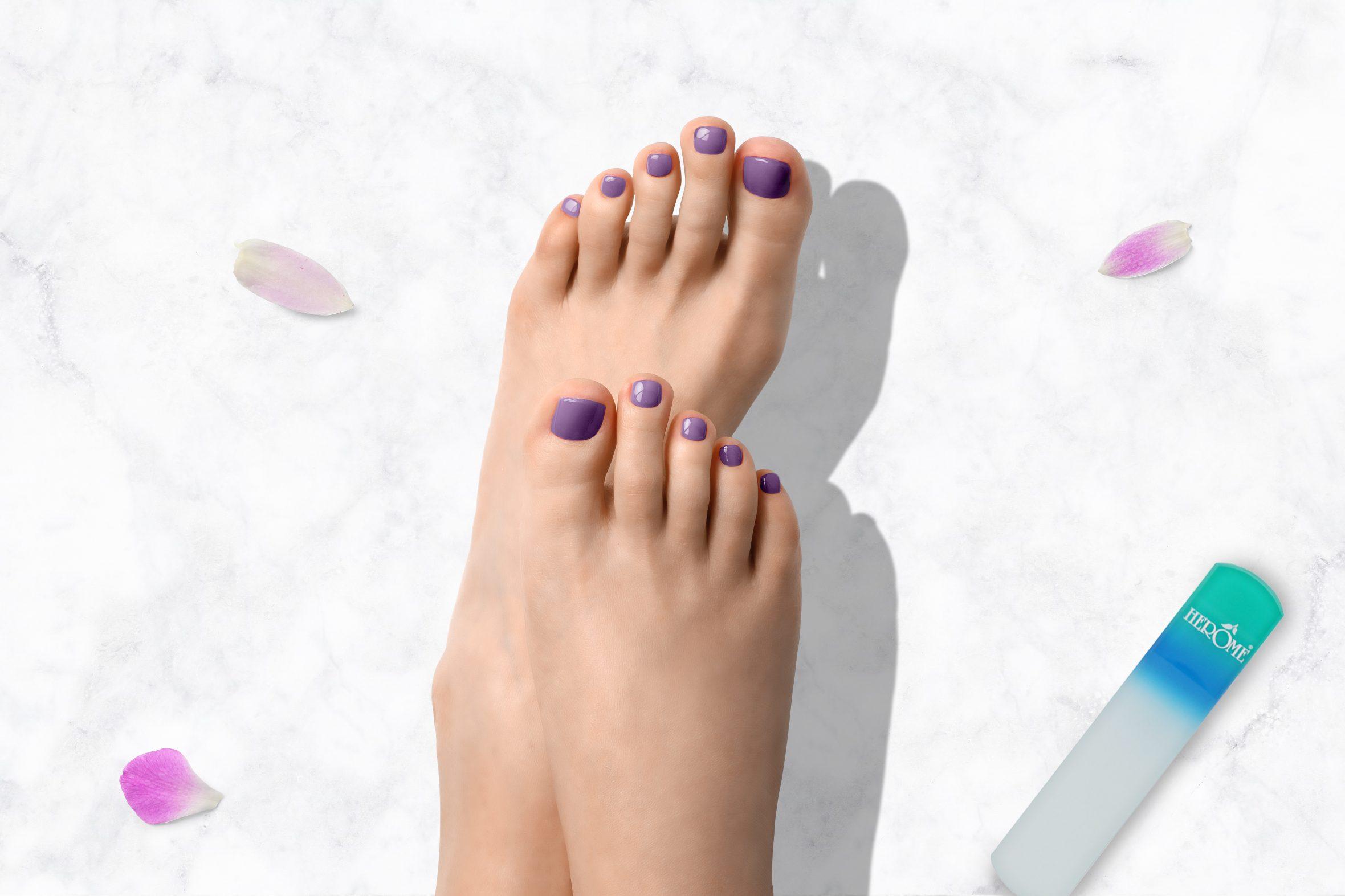 Paarse glitter nagellak van Herôme