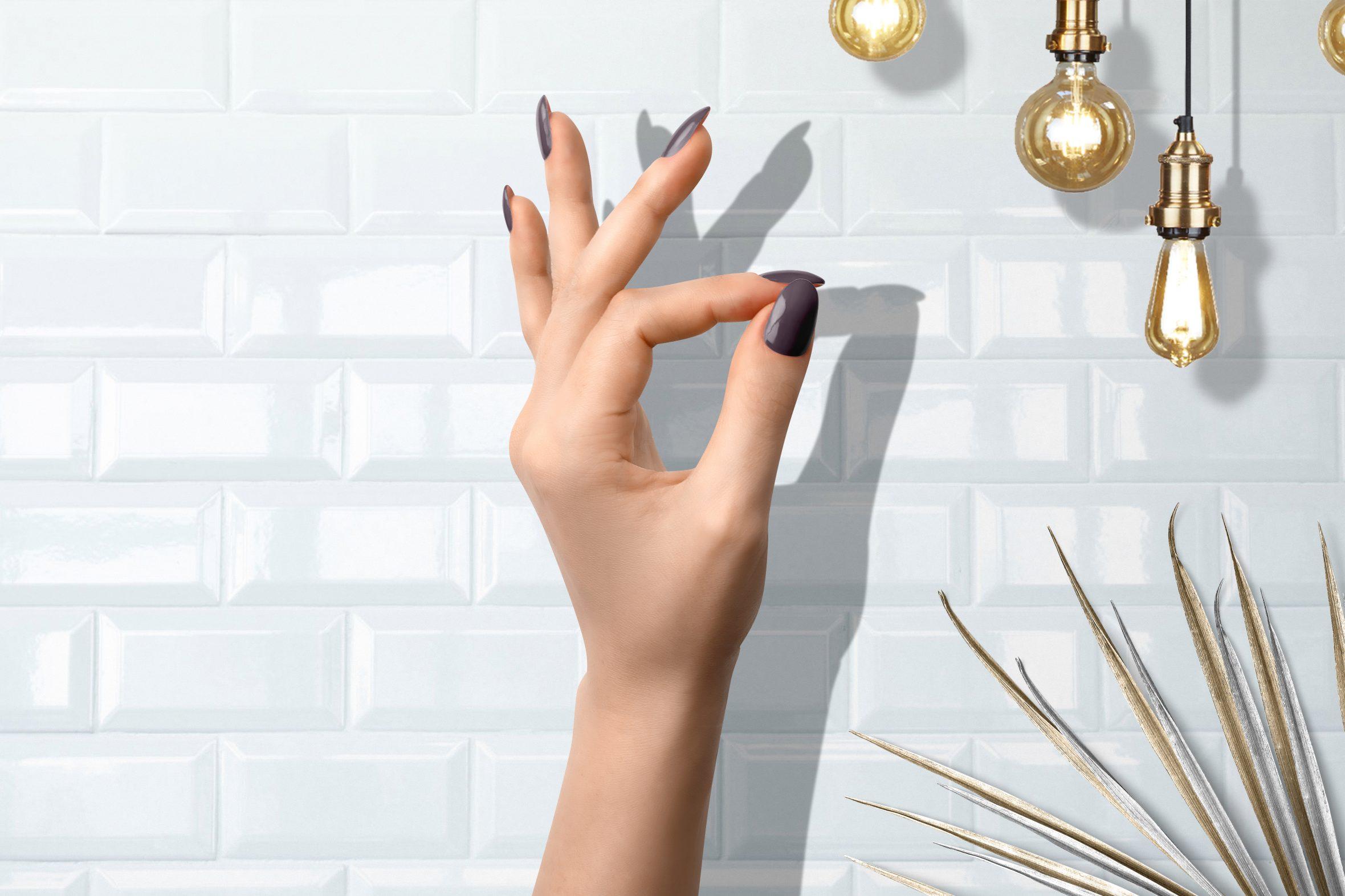 Grijze nagellak van Herôme manicure