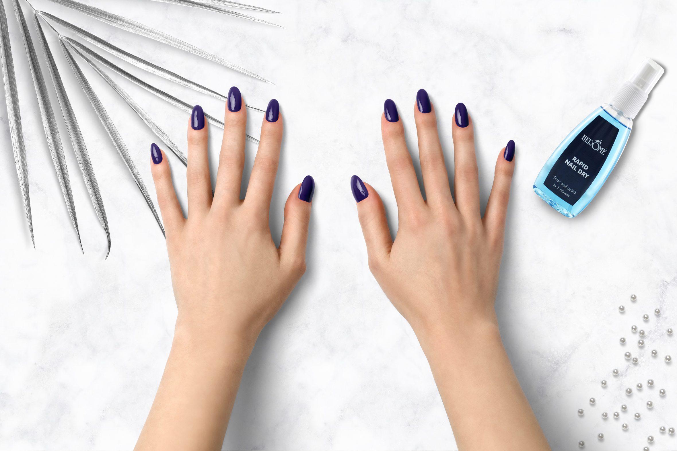 Donker paarse nagellak Herôme