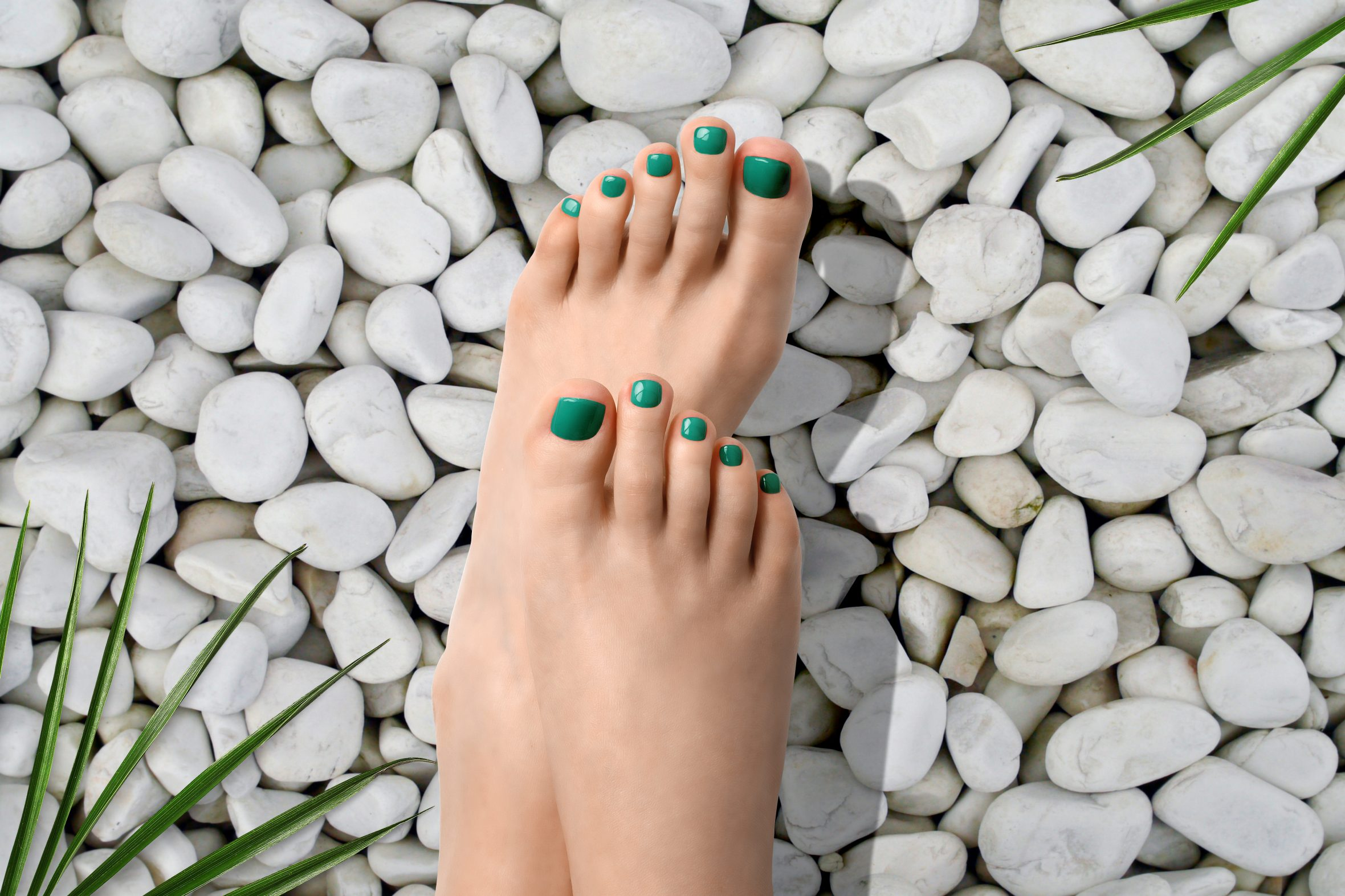 Groene nagellak van Herôme voor zomerse pedicure