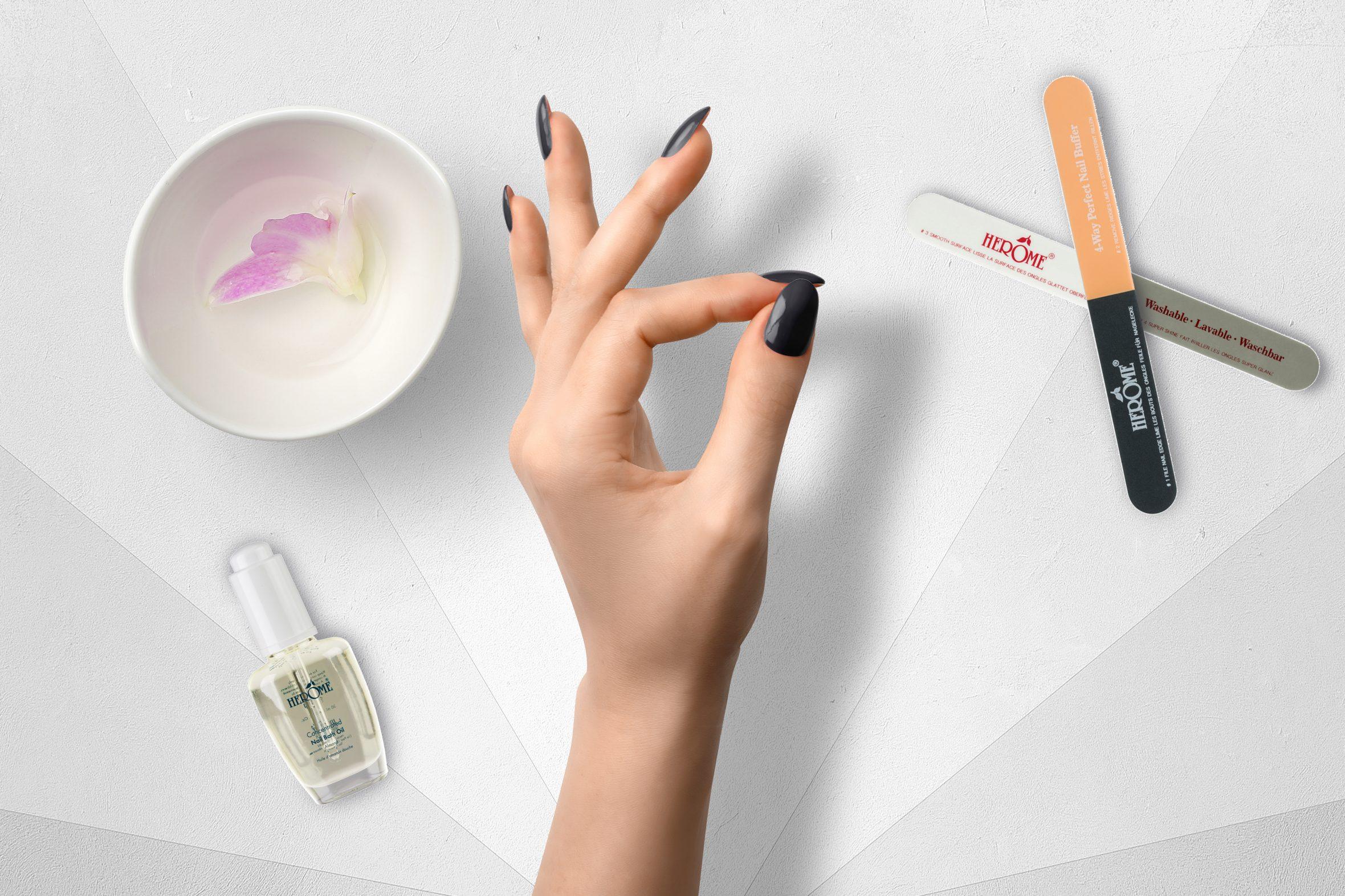 Donker grijze nagellak kopen van Herôme