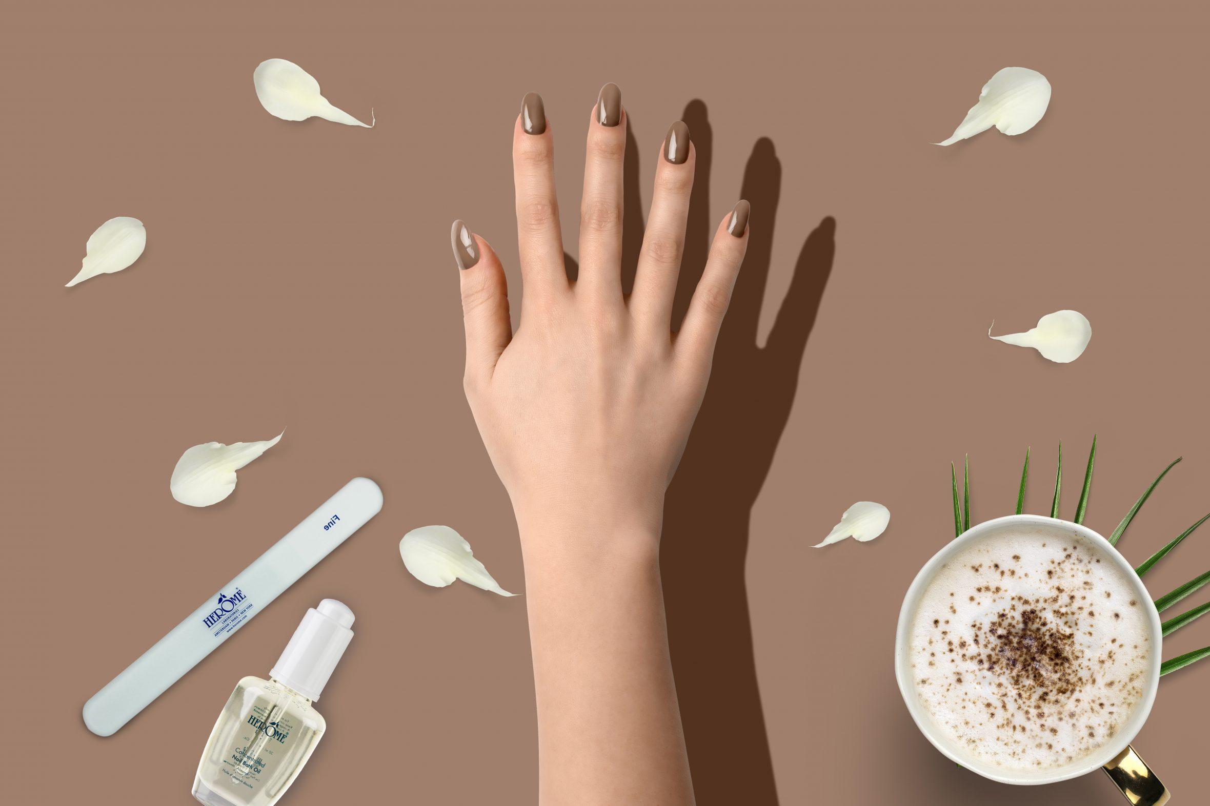 Glitter nagellak bruin voor je manicure