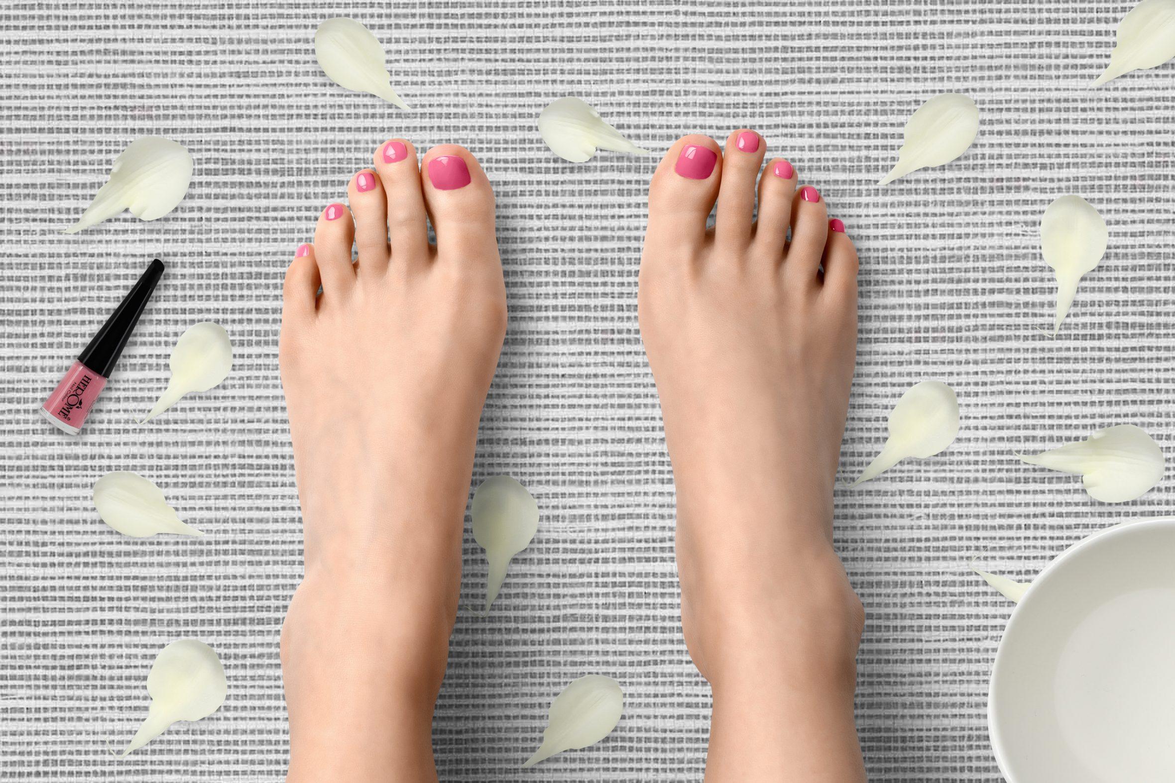 Roze nagellak van Herôme voor zomerse pedicure