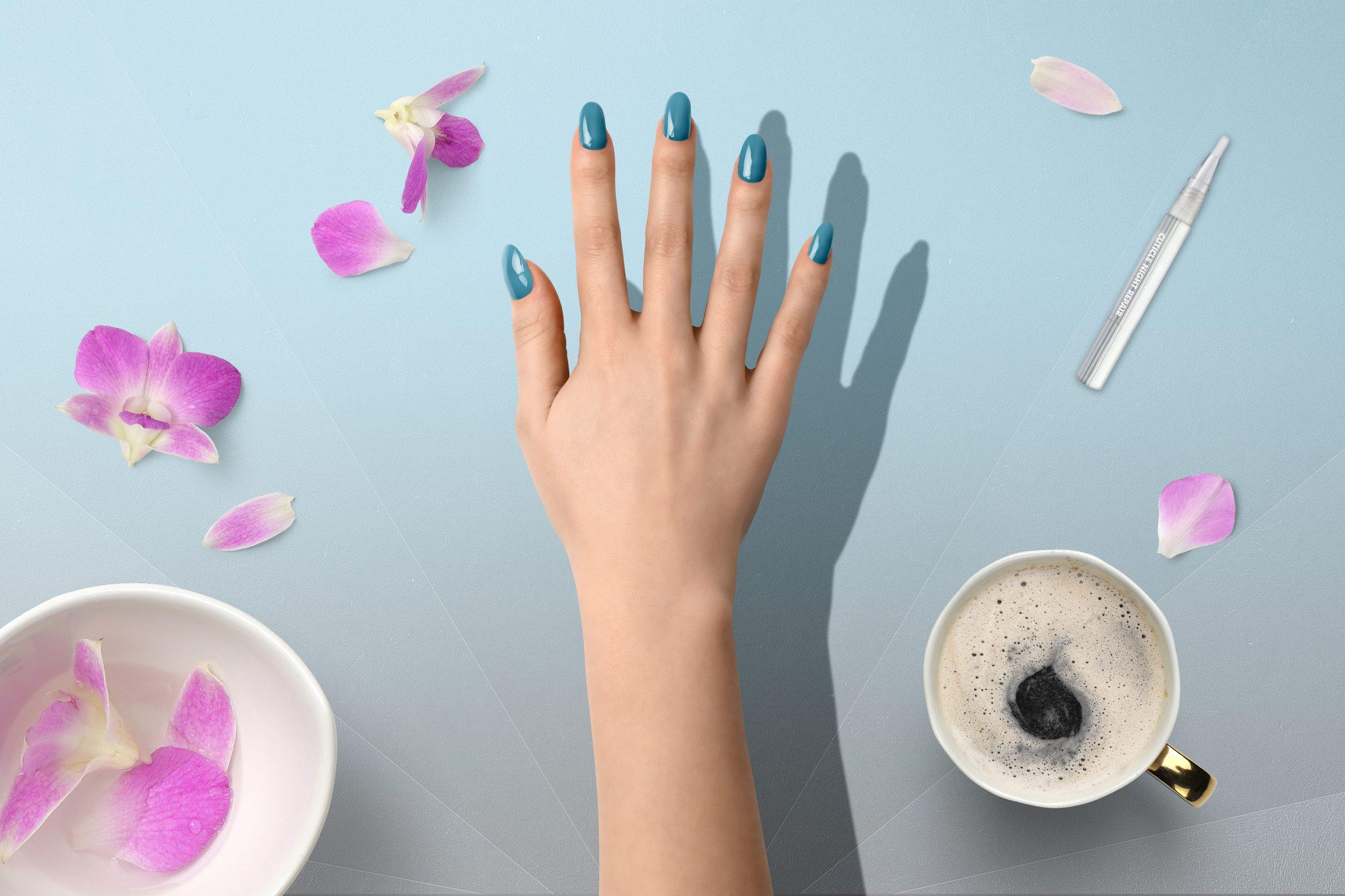 blauwe nagellak kleurnummer 177 uit de Herôme nagellak kleuren